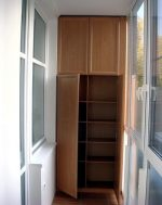 Фото угловой шкаф на балкон – Как красиво сделать шкаф на балконе фото: дизайн своими руками и шкафчик встроенный на лоджии, купе изготовление